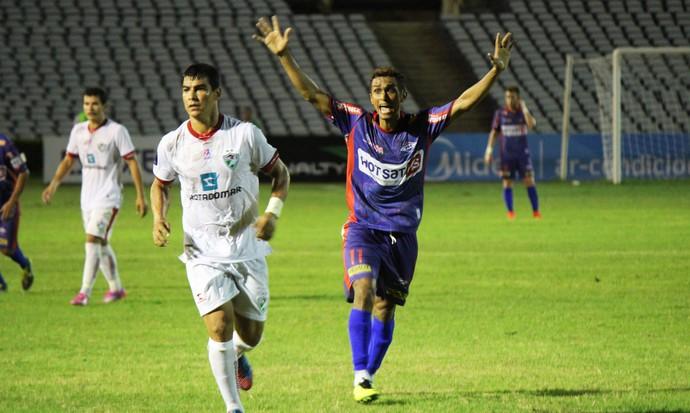 Piauí x Salgueiro (Foto: Emanuele Madeira/GloboEsporte.com)
