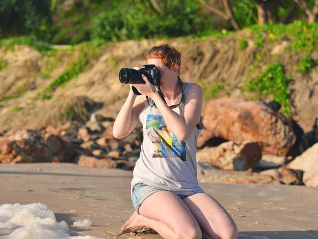 A fotógrafa Lauren Bath em um dia de trabalho; ela viaja mais de 300 dias ao ano (Foto: Lauren Bath/Divulgação)