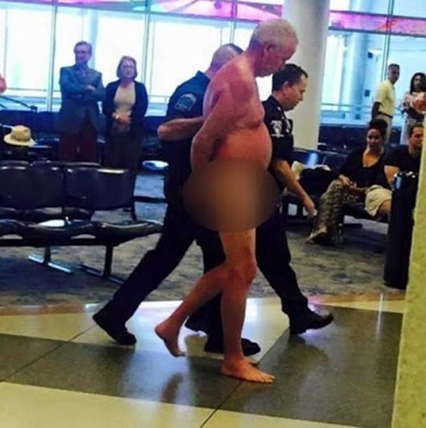 Passageiro tirou a roupa no Aeroporto Internacional de Charlotte (Foto: Reprodução/Facebook/Sherry Ketchie)