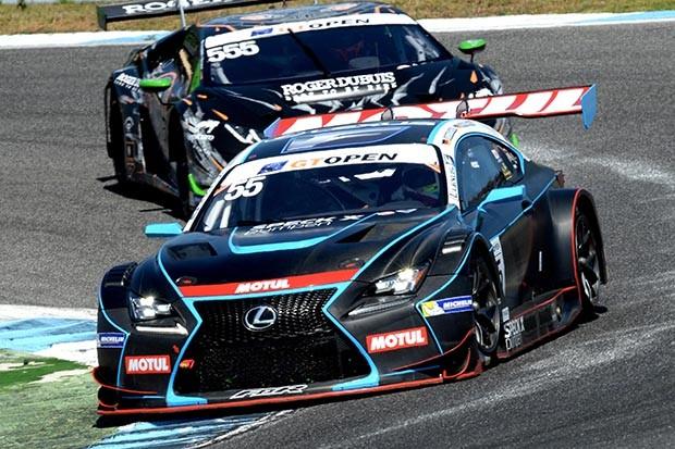 LEXUS GT3 dos irmãos pilotos Farnbacher e Farnbacher em P4 na corrida 1 (Foto: Divulgação/FOTOSPEEDY)