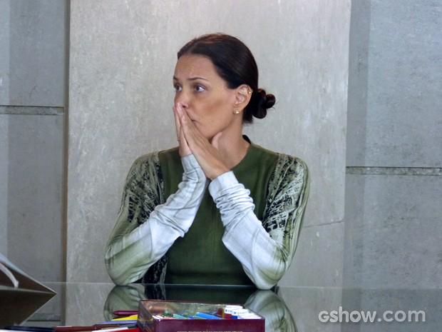 Tereza fica desesperada com a notícia (Foto: Além do Horizonte/TV Globo)