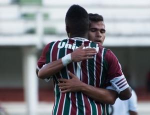 Lucas Fernandes renovou contrato com o Flu (Foto: Bruno Haddad/ Assessoria Fluminense)