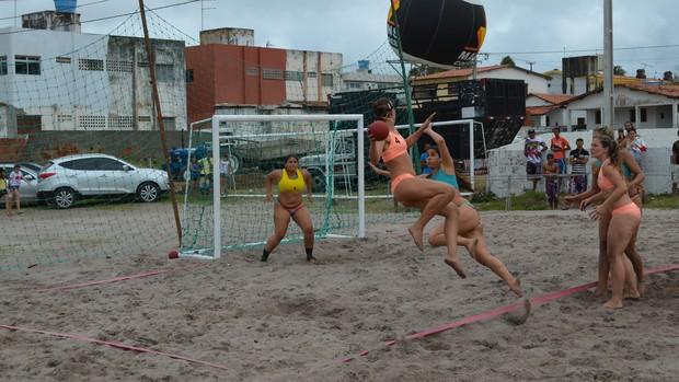Handebol de areia, jacumã, Paraíba (Foto: Richardson Gray / Globoesporte.com/pb)