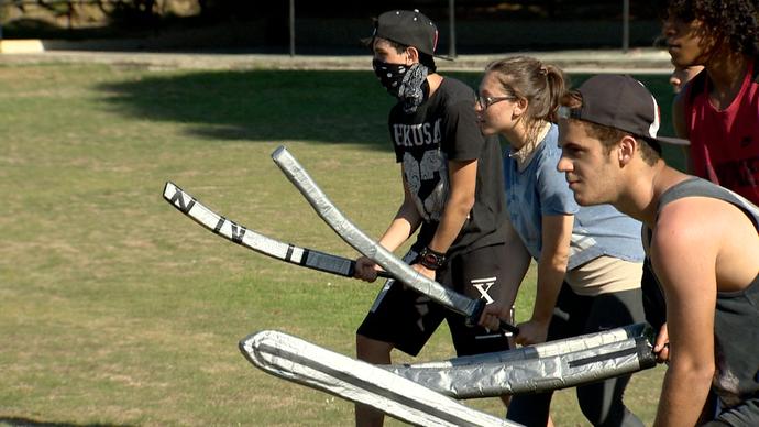 Entusiastas da cultura medieval praticam esporte à moda da época (Foto: Divulgação/ TV Gazeta ES)