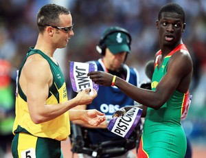 Pistorius e Kirani James (Foto: Getty Images)