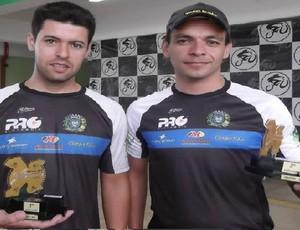Carlos Felipe de Moura foi o primeiro e Rafael Prado Godoi o terceiro em suas categorias (Foto: Divulgação)