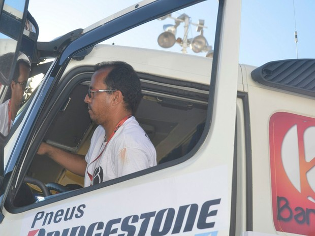 Motorista de Ivete após troca (Foto: Diogo Macedo/Ag Haack)