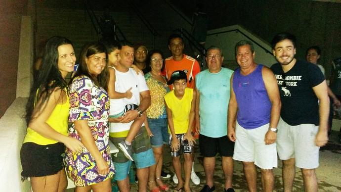 Familiares de Cícero foram a acompanhar o treino do Flu, neste sábado (Foto: André Rodrigues)