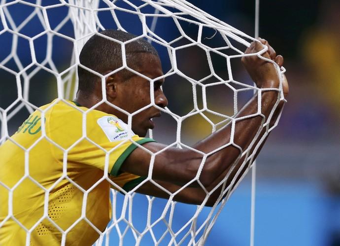 Fernandinho Alemanha x Brasil, Mineirão (Foto: Reuters)