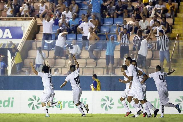 Santos jogou contra o Floresta na Arena Barueri (Foto: Pedro Ernesto Guerra Azevedo/Santos FC)