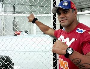 lutador Vitor Belfort com o filho (Foto: Ivan Raupp)