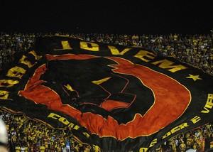 torcida organizada sport (Foto: Globoesporte.com)
