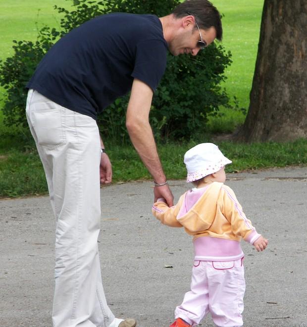 O pai não precisa ajudar. Ele tem é que dividir a responsabilidade (Foto: Free Images)