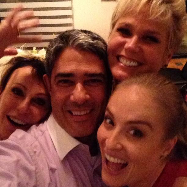 William Bonner com Angélica, Xuxa e Ana Maria Braga (Foto: Instagram/ Reprodução)