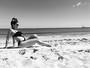 Grávida de quatro meses, Kelly Key mostra a barriga em clique na praia