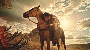 Santo se desequilibra do cavalo, mas tenta se salvar (Foto: TV Globo)