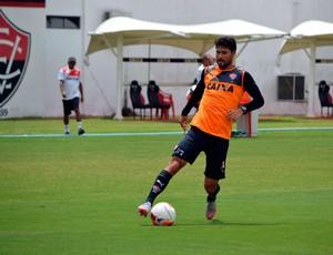 Pedro Ken; Vitória (Foto: Francisco Galvão/EC Vitória/ Divulgação)
