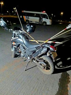 Moto da PM com flechas (Foto: Polícia Militar/Divulgação)