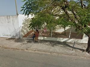 Profissionais do sexo no Jardim Itatinga (Foto: Reprodução/ Google Street View)