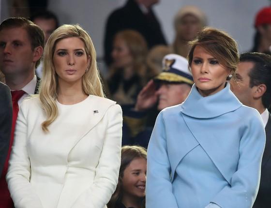 A filha de Donald Trump, Ivanka, ao lado da agora primeira-dama, Melania, na cerimônia de posse do presidente americano (Foto: Getty Images)