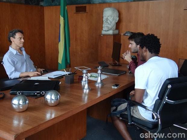 Reitor expulsa Davi e Matias (Foto: Geração Brasil / TV Globo)