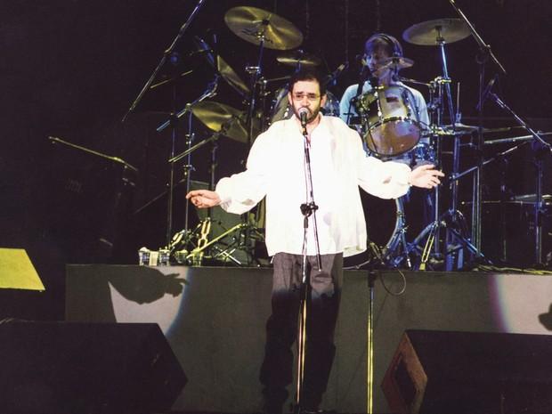 Renato Russo em show da Legião Urbana em 1994 (Foto: Milton Michida/Agência Estado)