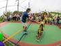 """Guga inaugura """"quadrinha"""" em SJ e é """"desafiado"""" por pequenos tenistas"""