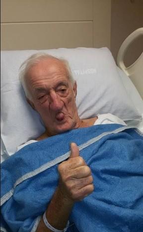Russo no hospital (Foto: Reprodução Facebook)