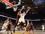 Golden State Warriors vence Miami Heat e mantém série invicta em casa
