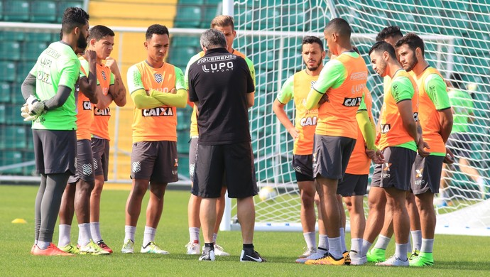argel figueirense treino orlando scarpelli (Foto: Luiz Henrique / FFC)