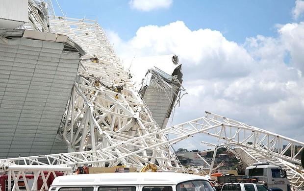 Acidente estádio corinthians itaquerão (Foto: Rodrigo Gazzanel / Futura Press)