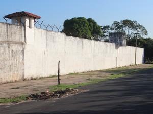 CEM conta atualmente com 82 internos cumprindo medidas socioeducativas (Foto: Pedro Santiago/G1)
