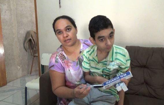 Garoto que sofre de doença rara recebe Canabidiol em Piracicaba (Foto: Edijan Del Santo/EPTV)