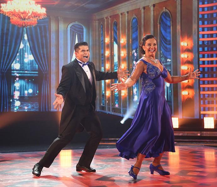 Apesar de apresentação elogiada, Solange Couto deixa a competição do 'Dança' (Foto: Carol Caminha/Gshow)