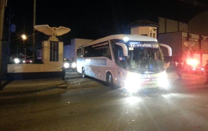 ônibus Brasil Rio de Janeiro (Foto: Thales Soares)