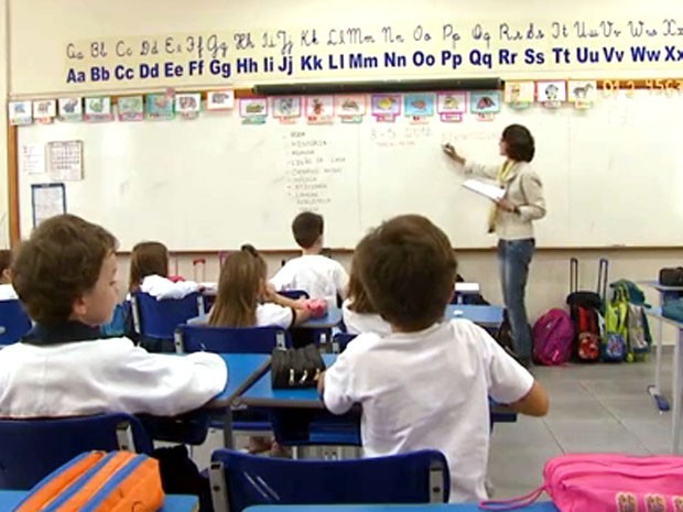 Há oportunidades de emprego para professor (Foto: Reprodução/EPTV)