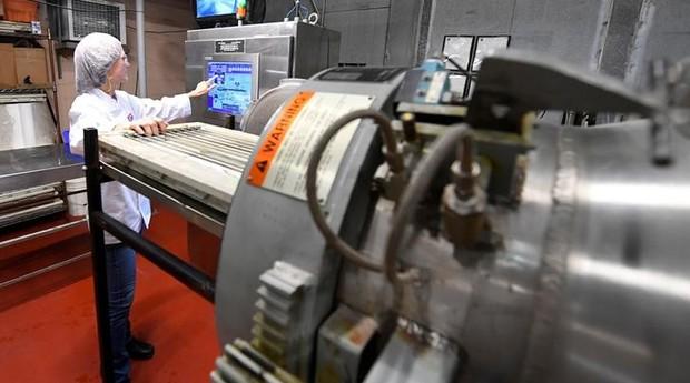 Máquina MATS-B, que utiliza a nova tecnologia de micro-ondas que a Amazon.com pretende usar (Foto: Reuters)