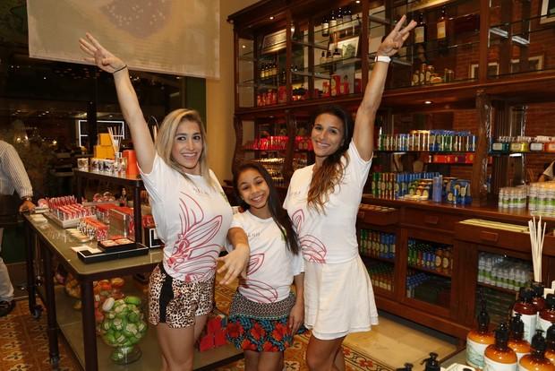 As atletas Jade Barbosa, Daniele Hypolito e Flávia Saraiva afirmaram que são vaidosas no dia a dia e que não dispensam maquiagem dentro e fora das arenas de competição. (Foto: Ag. News )