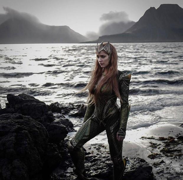 Amber Heard como Mera em 'Liga da Justiça' (Foto: Reprodução)