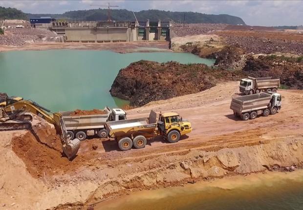 Obras da hidrelétrica de São Manoel entre o Pará e Mato Grosso (Foto: Reprodução/YouTube)