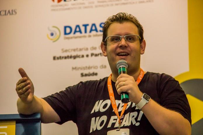 André Noel é o criador do site Vida de Programador. (Foto: Camila Cunha / FISL)