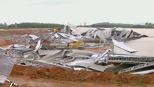Chuva forte destelha empresa e igreja e provoca prejuízo de R$ 1 milhão
