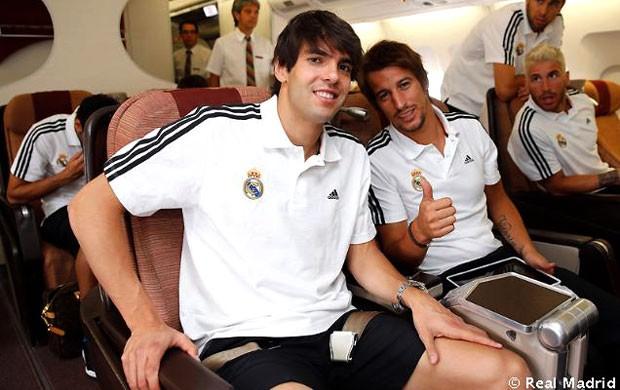 Kaká e Fabio Coentrão viagem Real Madrid (Foto: Divulgação / Site Oficial do Real Madrid)
