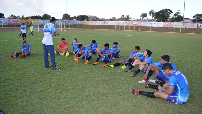 Espigão, time sub-20, Rondoinense de Juniores (Foto: Rogério Aderbal)