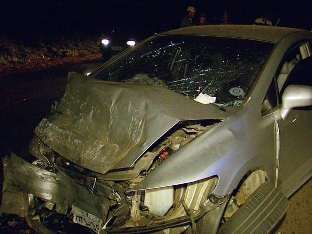 Batida de frente deixou motorista morto na MG-167, entre Varginha e Três Pontas (Foto: Reprodução EPTV)