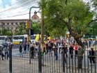 Servidores protestam após novo parcelamento de salários no RS