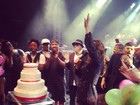 Dia de Ivete! Cantora comemora aniversário em show em Minas Gerais