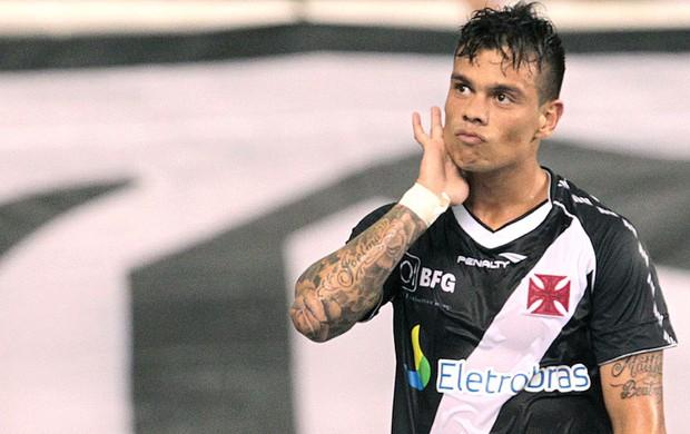 Bernardo comemora gol do Vasco contra o Fluminense (Foto: Marcelo Sadio / Site do Vasco)