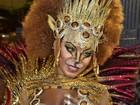 Luana Bandeira, rainha de bateria da Estácio de Sá, vira leoa na avenida