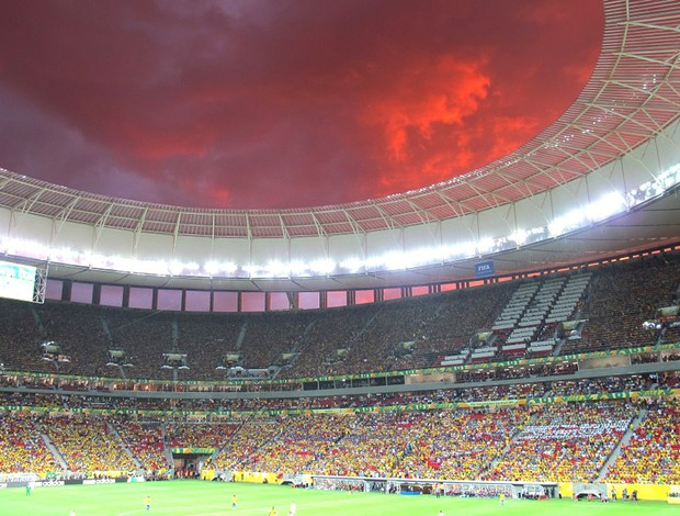 Fotos do tempo durante o jogo no Mané Garrincha, Brasil e Japão (Foto: Janir Junior)